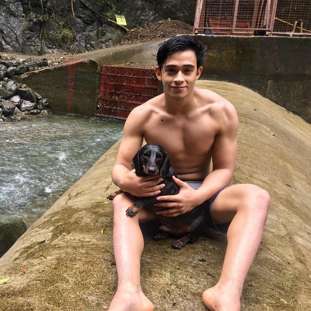 These 25 photos of Pusong Ligaw stars' hot bods will make you want to hit the gym right now!